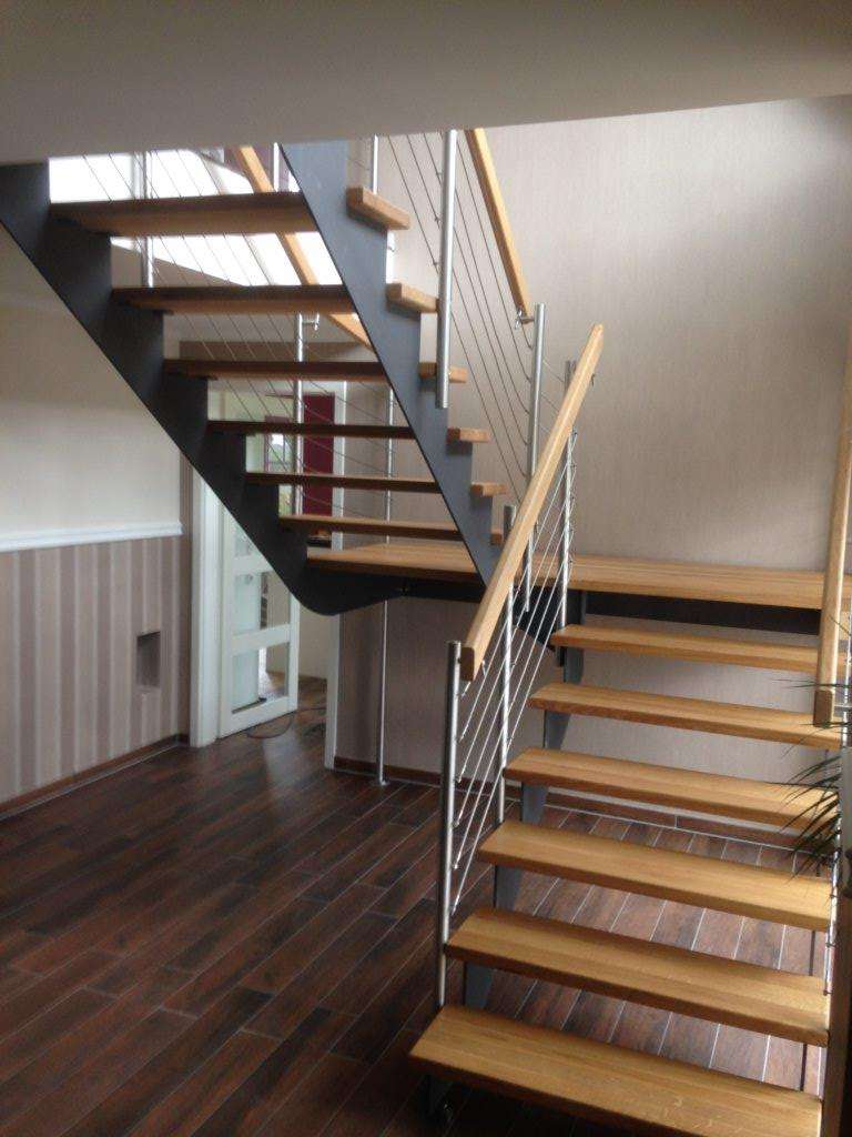 flachstangwangentreppe treppen linke elmenhorst. Black Bedroom Furniture Sets. Home Design Ideas
