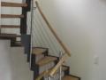 abgetreppte Stahlwangentreppe, ES-Pfosten, ES-Seilsystem, Holzhandlauf1