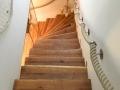 Stufen & Setzstufen auf vorhandene Betontreppe aufgebracht Eiche gebürstet und natur geölt Vorderkante natur, Kanten gerundet