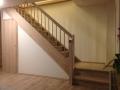 Treppe & Treppenverkleidung mit Tür